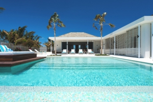 villa-turks-and-caicos-rental-pool-luxury-sunny