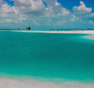 turquoise-water-turks-and-caicos