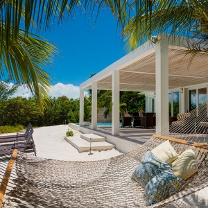 beach-villa-aquazure-turks-and-caicos-luxury-rental-beach