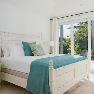 beach-villa-aquazure-turks-and-caicos-luxury-rental-bedroom