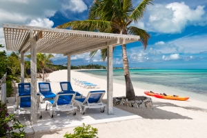 villa-castaway-beach-turks-and-caicos-3