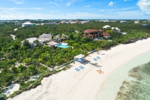 villa-castaway-beach-turks-and-caicos-1