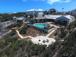 villa-alinna-luxury-turks-and-caicos-vacation-rental-pool-ocean