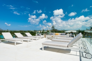 big-chill-villa-turks-and-caicos-terrace