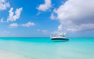 fishing-boat-turks-and-caicos-caribeean